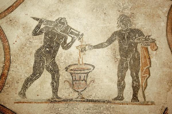 """""""Alla Villa dei Mosaici di Spello: una mescita di vino di duemila anni fa""""<br>Bubble's Italia - luglio 2018"""