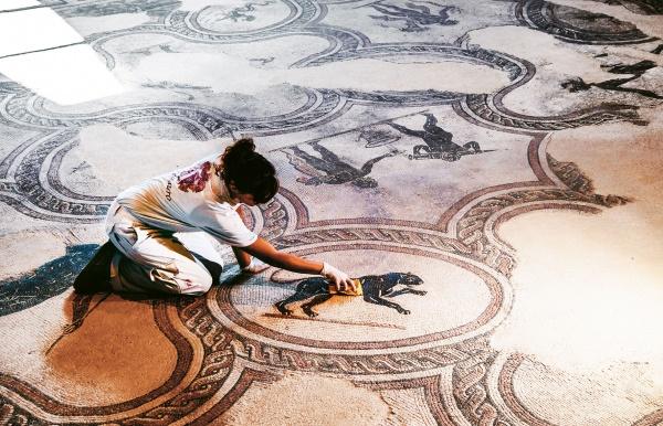 """""""Spello e… la villa dei Mosaici"""" - Archeologia Viva maggio/giugno 2020 (Servizio cofirmato con il prof. Giorgio Bonamente)"""