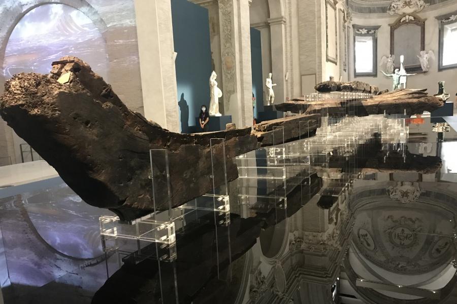 La nave arcaica, scoperta nei fondali di Gela.